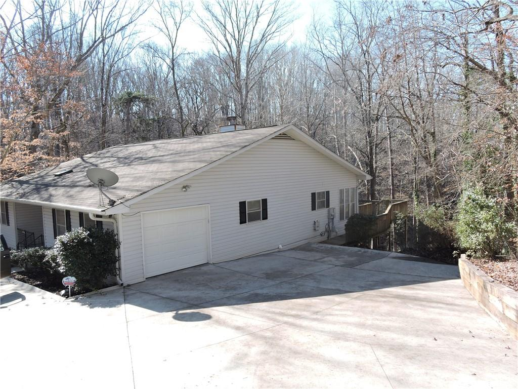 908 Point Road Westminster, SC 29693