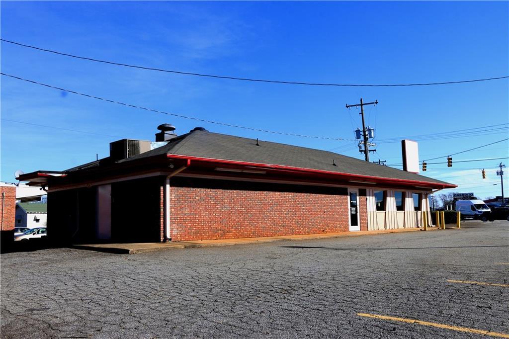 2712 S Main Street Anderson, SC 29624
