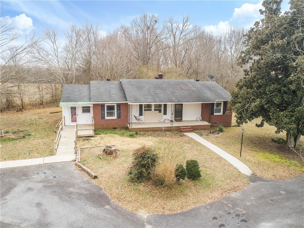 300 Shirley Circle #townville Townville, SC 29689