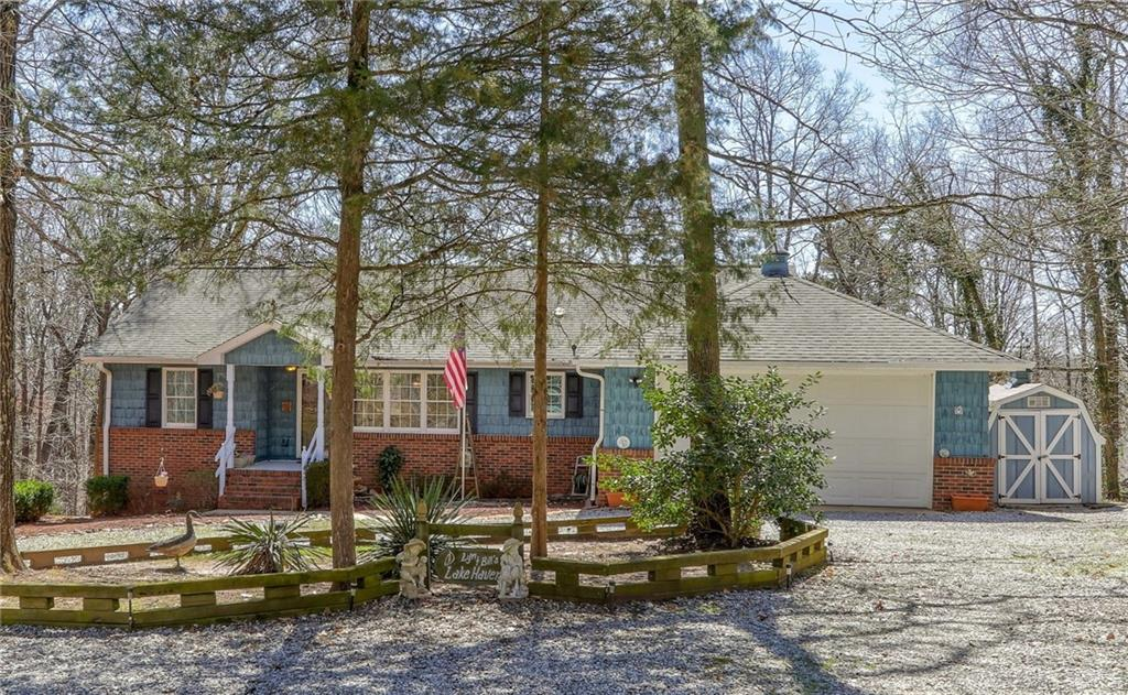 726 Seminole Point Road Fairplay, SC 29643