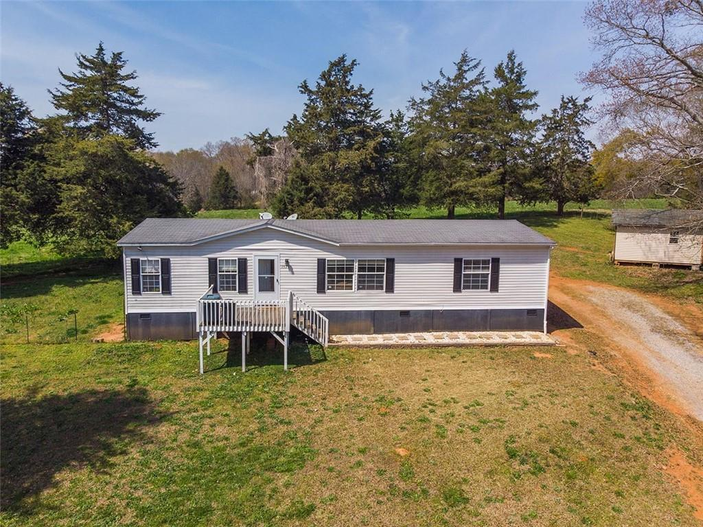 153 Point Lookout Road Townville, SC 29689