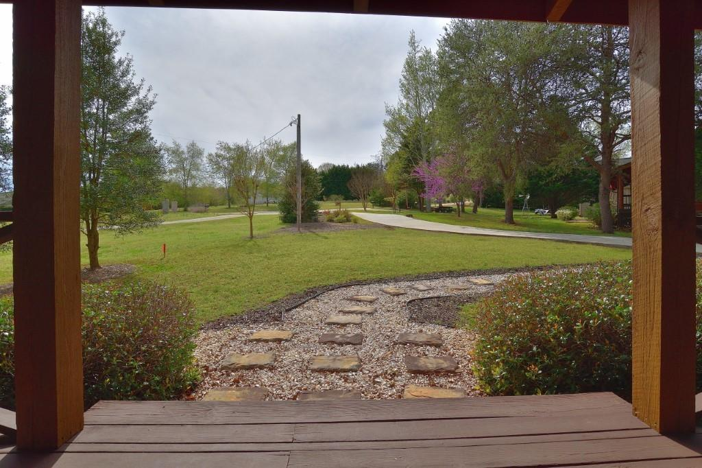 211 Knotty Pine Court Westminster, SC 29693