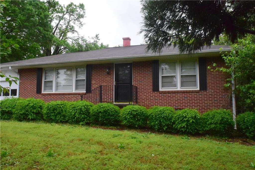 202 Manchester Circle Anderson, SC 29625