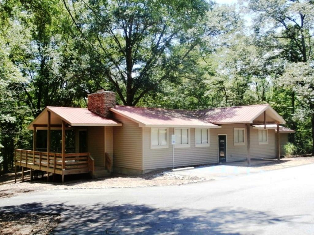 541 Pike Road Central, SC 29630
