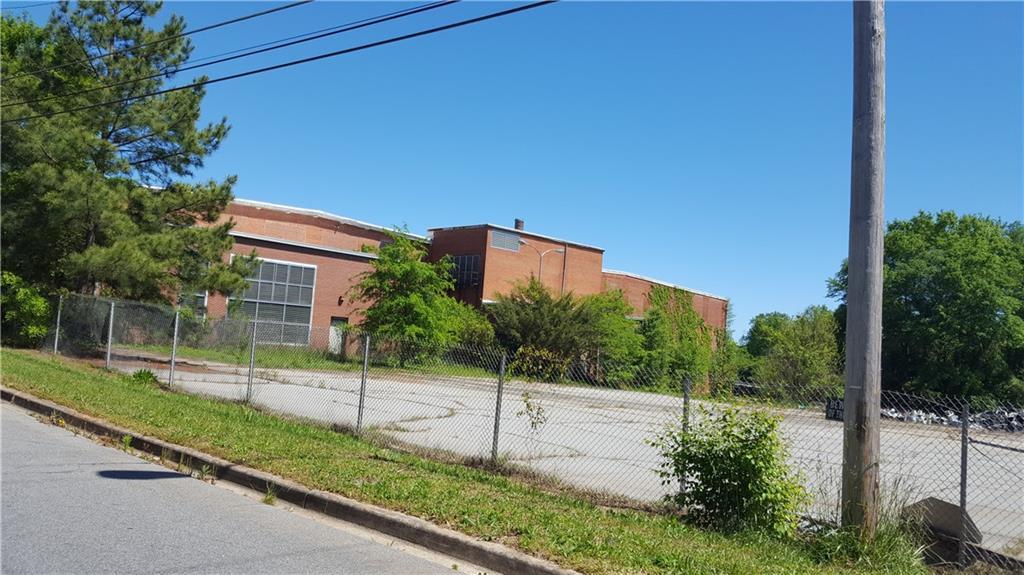 1300 E South 6TH Street Seneca, SC 29678