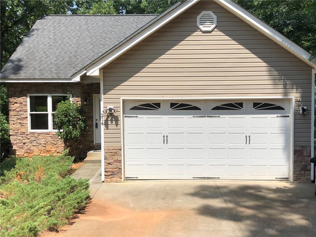 214 New Salem Drive Anderson, SC 29625