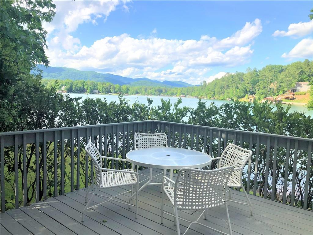 915 Point Place Tamassee, SC 29686
