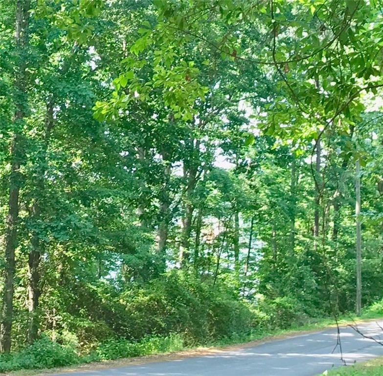 15 Honeysuckle Drive Seneca, SC 29678