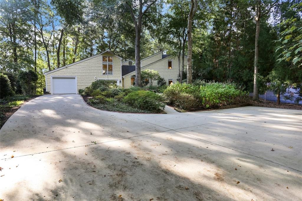 503 Carnes Point Road Fairplay, SC 29643