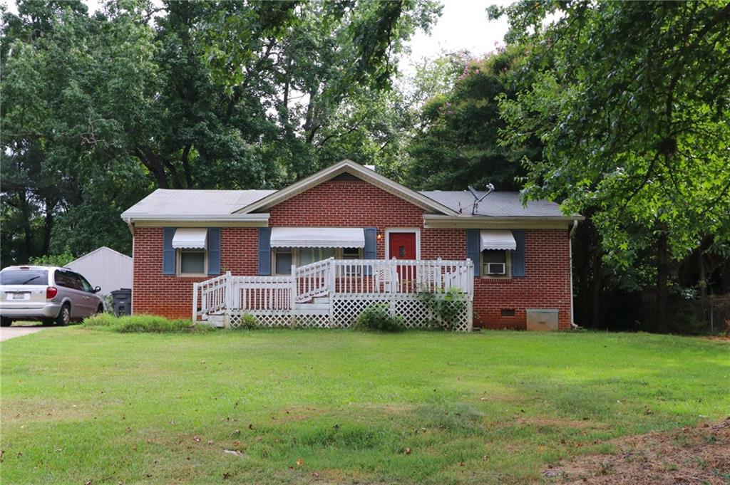 118 Oak Drive Greenville, SC 29611