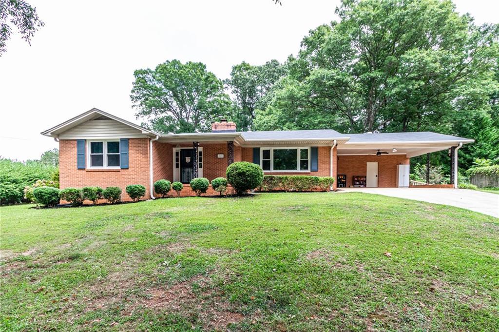 105 N Oak Forest Drive Greenville, SC 29617