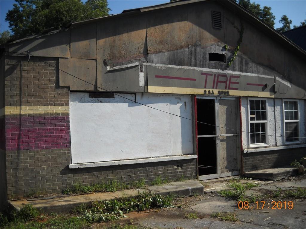 727 Main Street Seneca, SC 29678