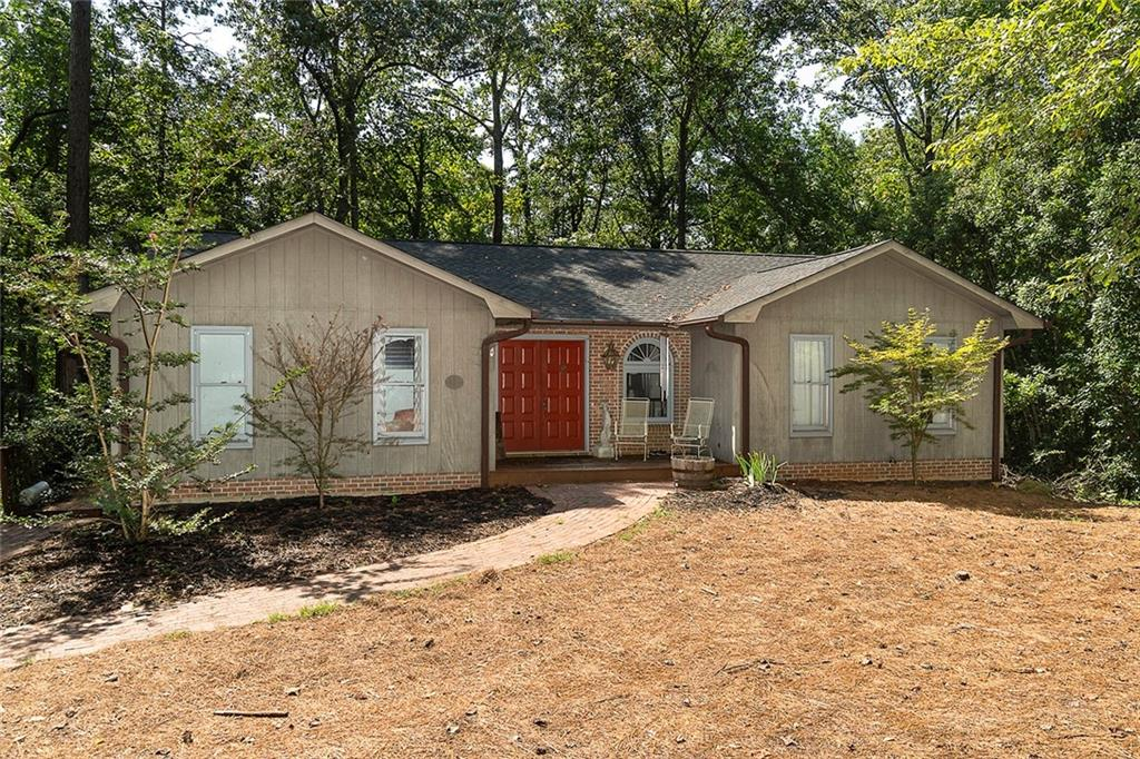 1407 W Little River Drive Seneca, SC 29672