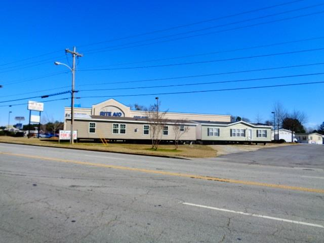 1018 E. North 1st Street Seneca, SC 29678