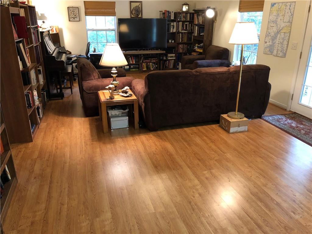113 Lakefront Road Townville, SC 29689