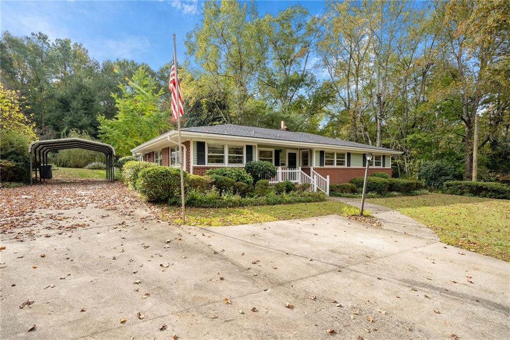 303 Quincy Road Seneca, SC 29678