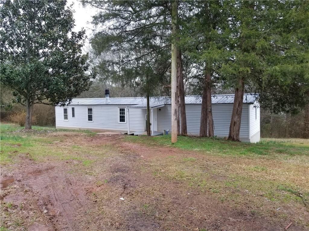 843 Cedarhill Farm Road Seneca, SC 29678