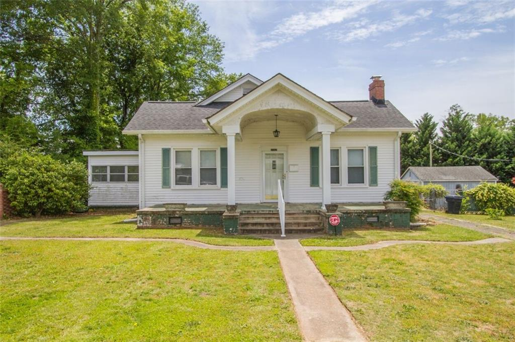2002 Holly Street Anderson, SC 29625