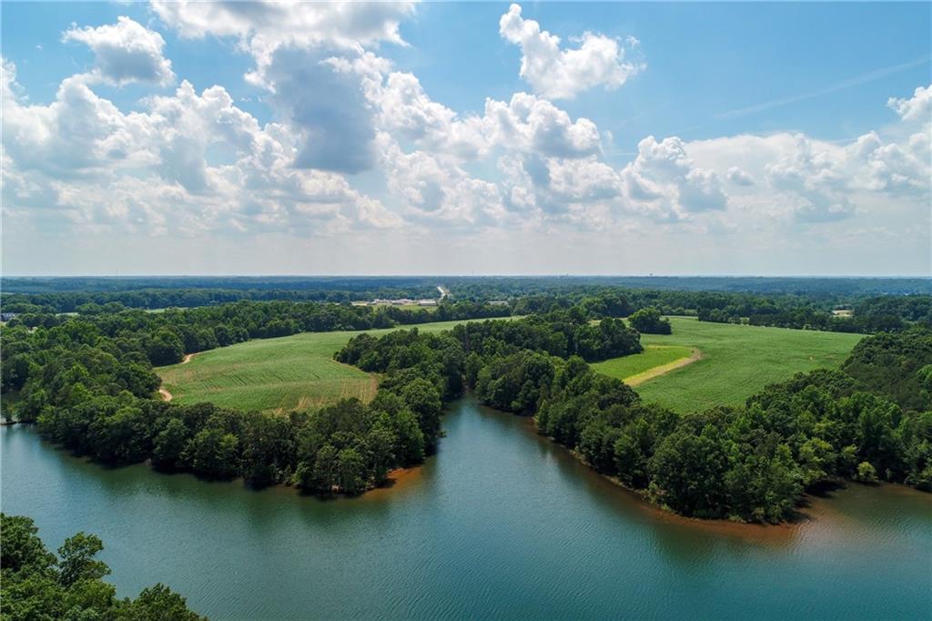 34 Lake Pointe Road Hartwell, GA 30643