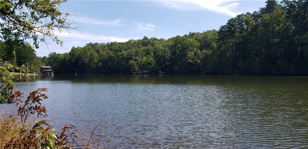 17 Lakeside Drive Mountain Rest, SC 29664