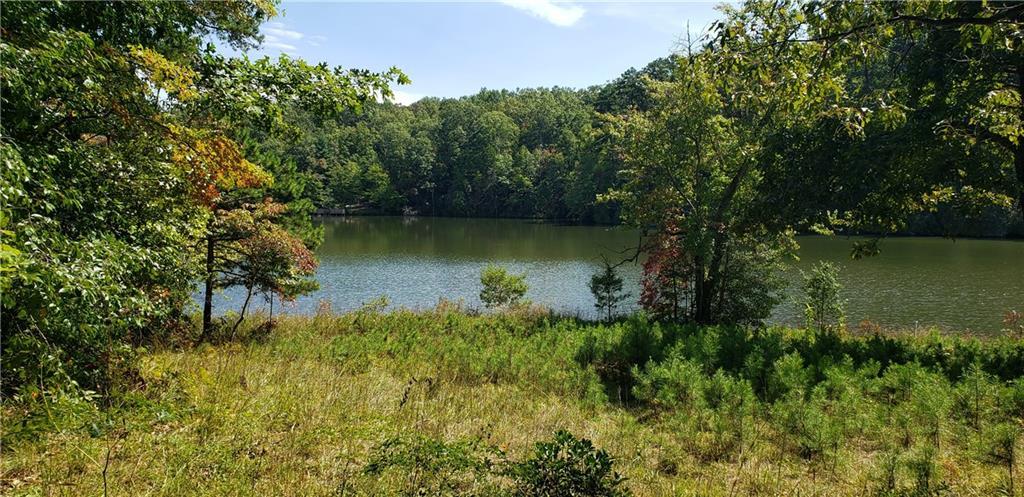 14 Lakeside Drive Mountain Rest, SC 29664