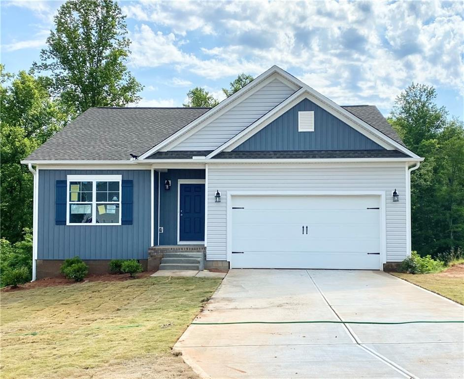 179 Sunny Point Loop Central, SC 29630