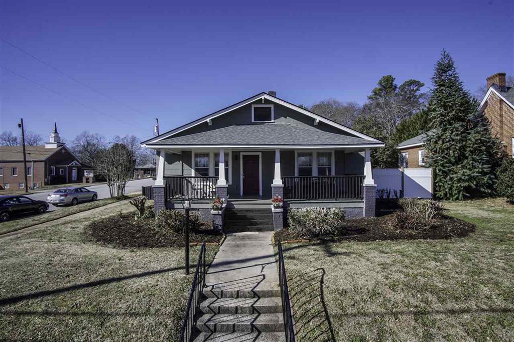 114 S Oak Street Seneca, SC 29678