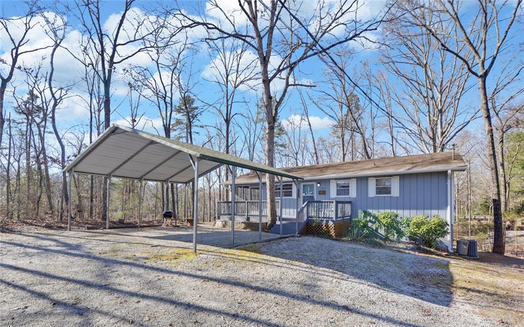 511 Lake Shore Circle Hartwell, GA 30643