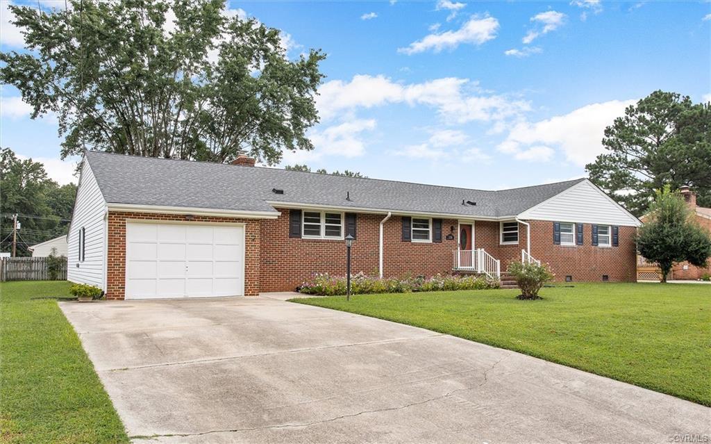 1216 Elmwood Colonial Heights, VA 23834