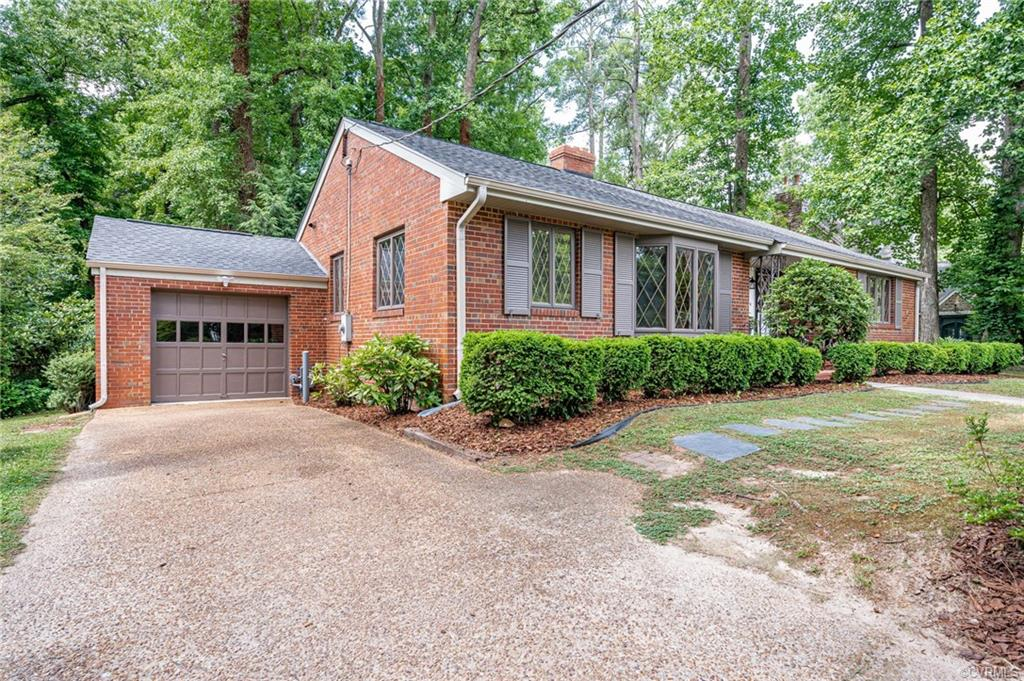 1706 Fairfax Petersburg, VA 23805
