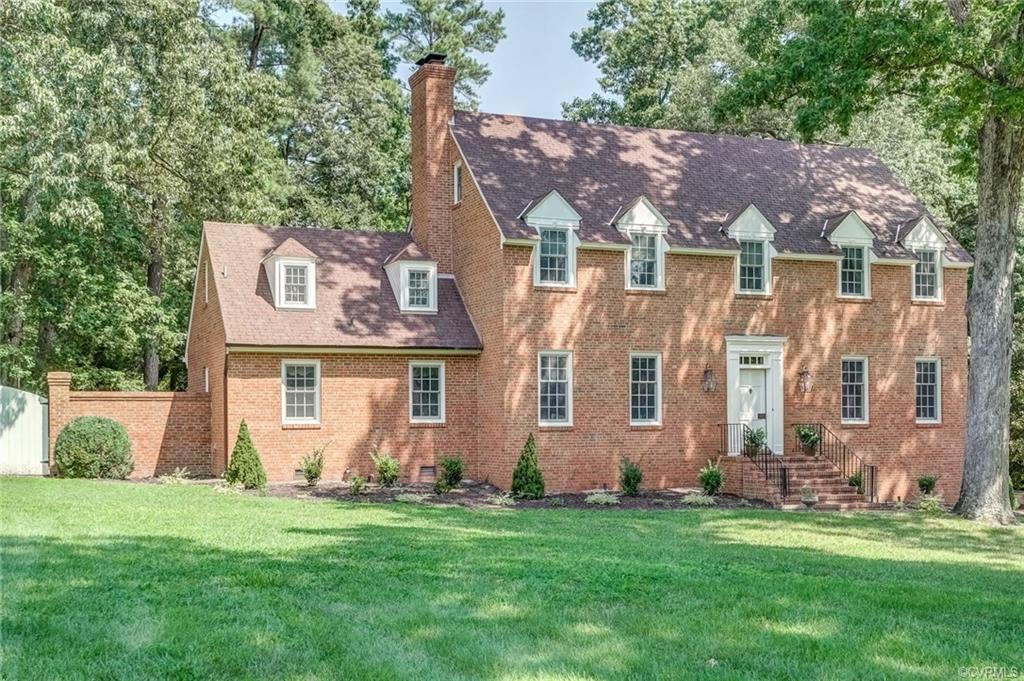201 Fairmont Colonial Heights, VA 23834