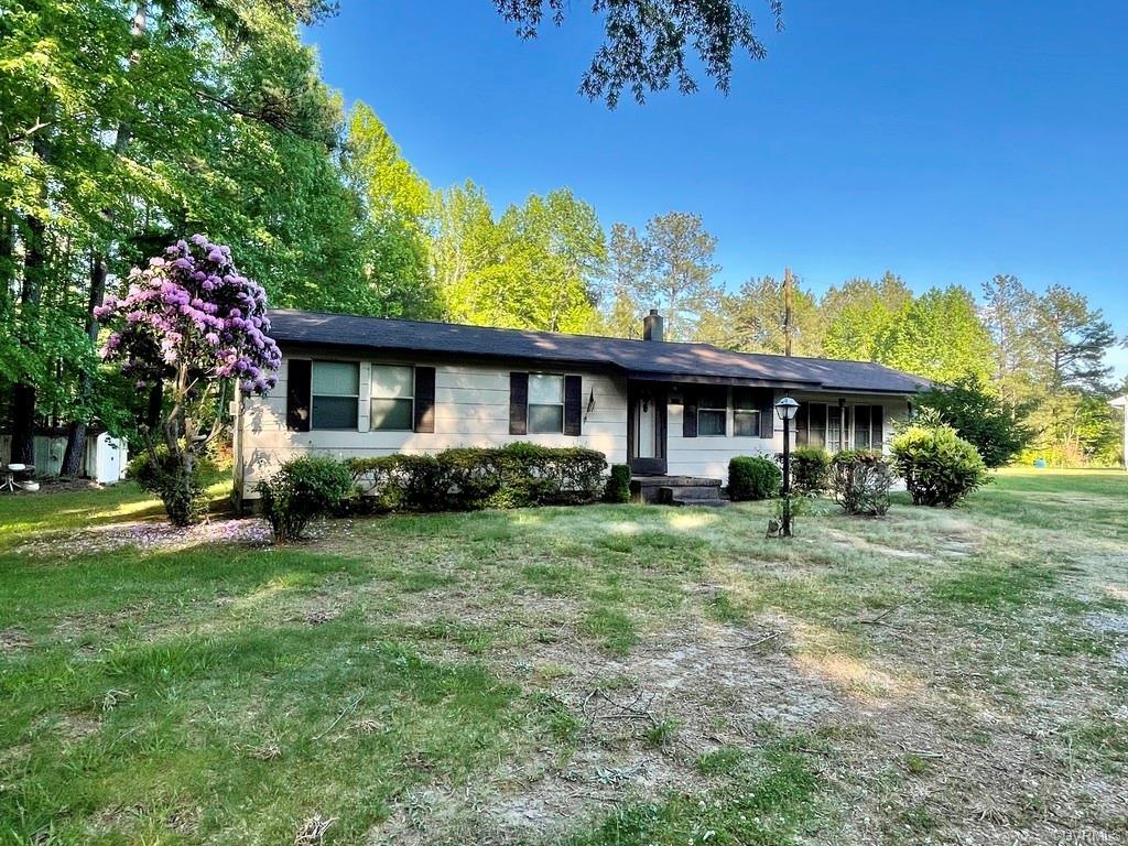 8719 Colemans Lake Ford, VA 23850