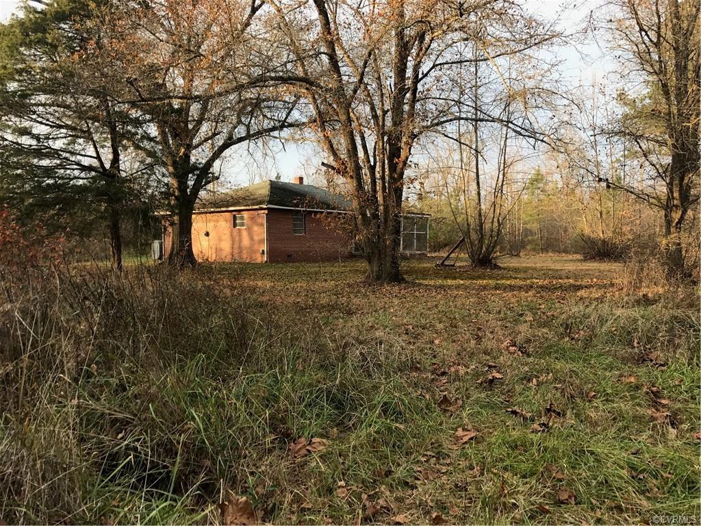 16038 Woodyard Stony Creek, VA 23882