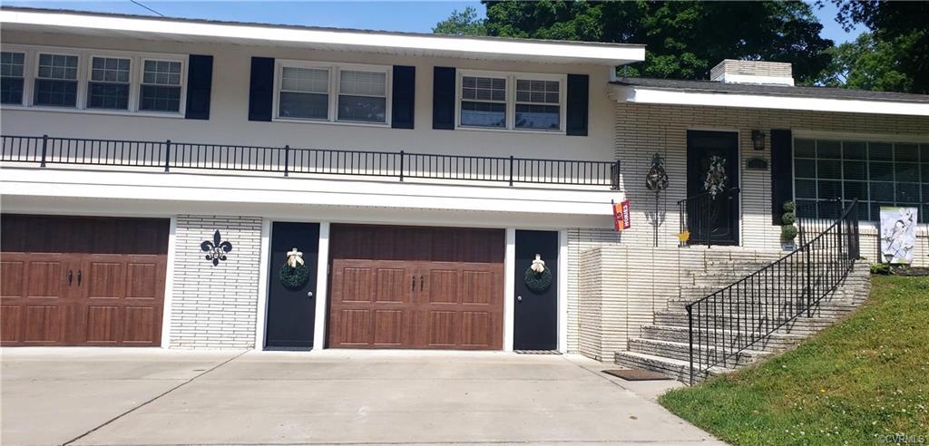 104 Colonial Hopewell, VA 23860