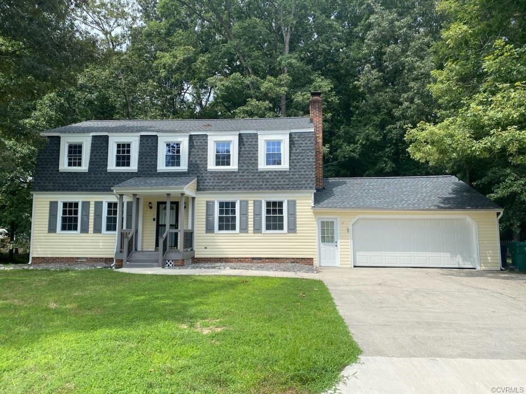 215 Stratford Colonial Heights, VA 23834